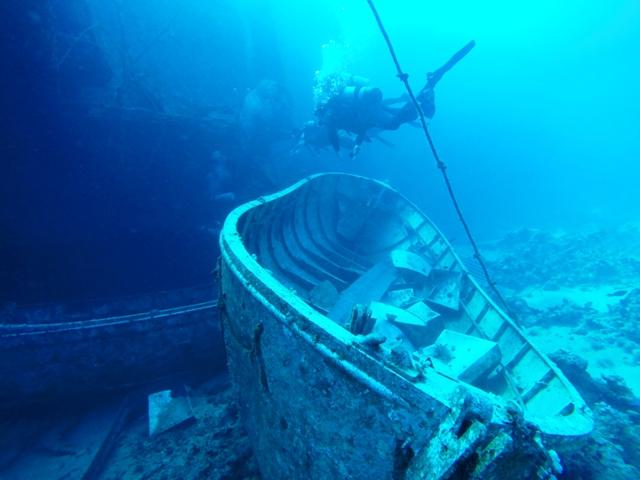szalupy przy wraku salem express